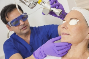 Fractional Lasers – Fraxel, CO2 - Post Fraxel Skin Care with NeoGenesis